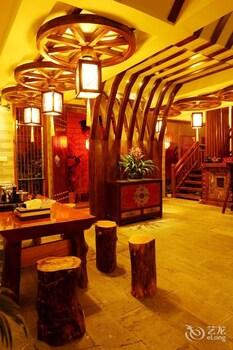 תמונה של Lijiang Yiya Boutique Inn בליג'יאנג