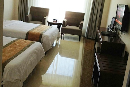 海南騰鵬大酒店/