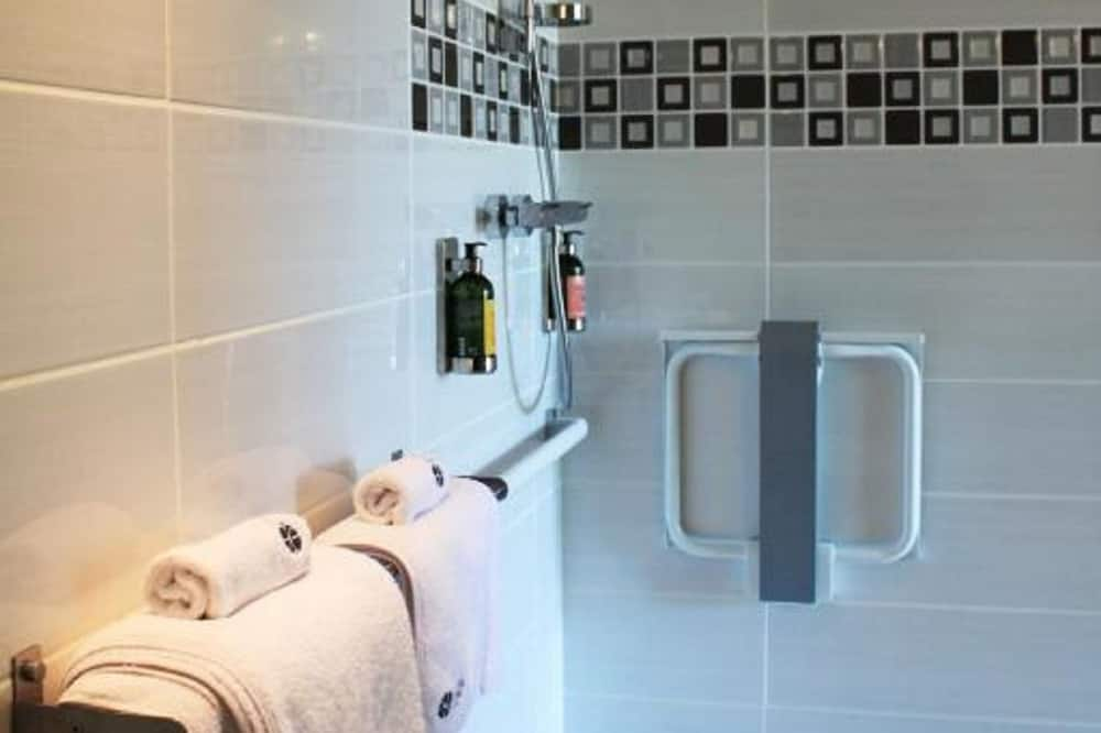 Double Room, Accessible, Ground Floor - Bathroom