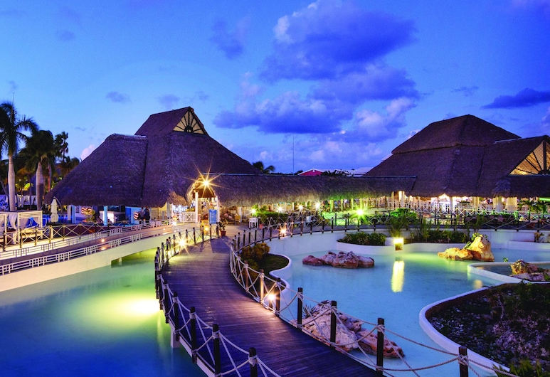 Royalton Hicacos - Adults Only - All Inclusive, Varadero, Outdoor Pool