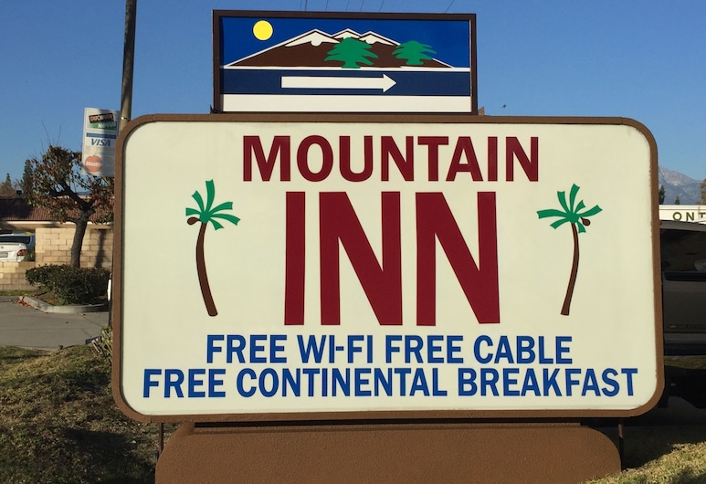 Mountain Inn, Ontario, Pročelje hotela