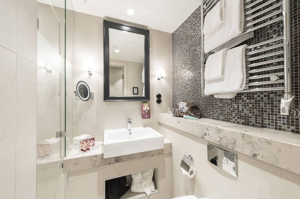 Double Room (160 cm bed) - Bathroom