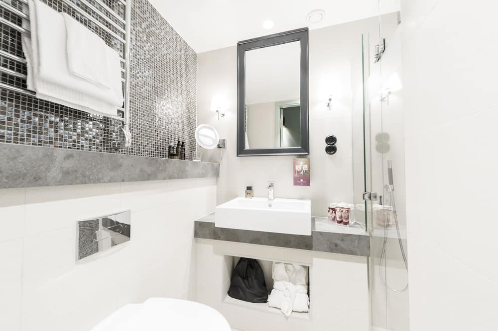 Small Double Room (140 cm bed) - Bathroom