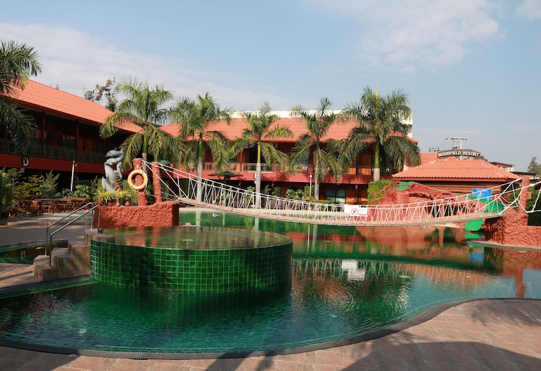 Woodfield Resort, Chiang Mai, Land view from property