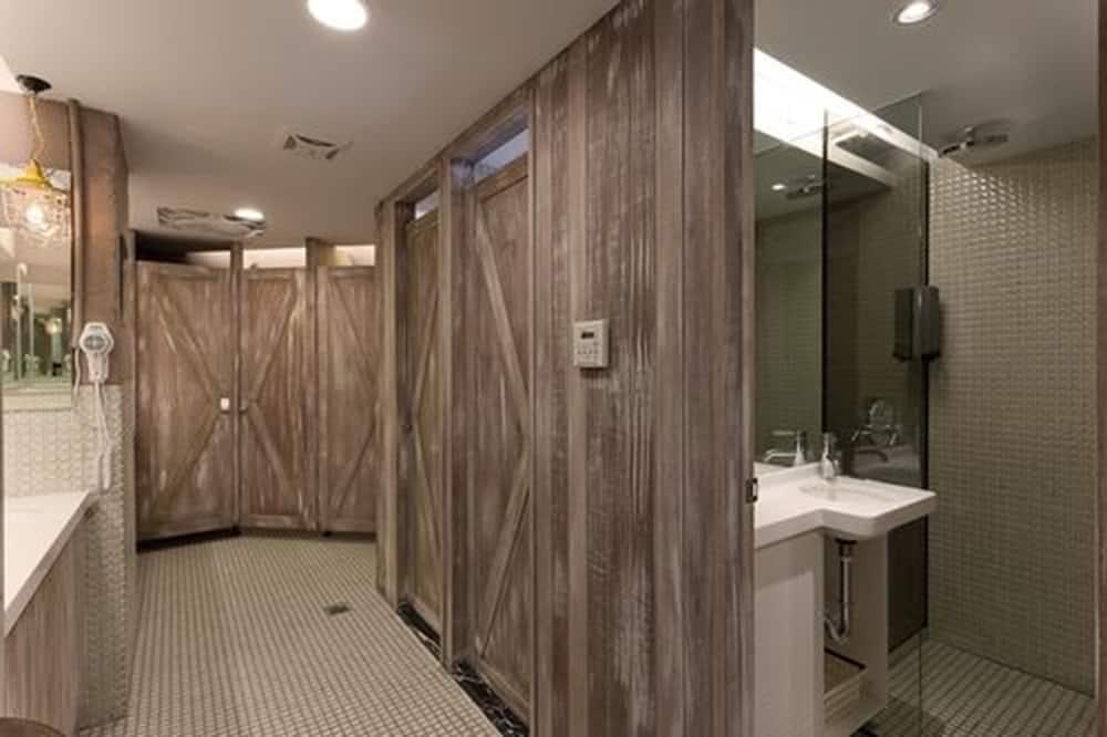 Shared Dormitory, Mixed Dorm, Shared Bathroom (Double Bed) - Bathroom