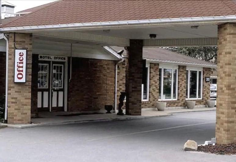 常春藤玫瑰汽車旅館, 溫莎, 飯店入口