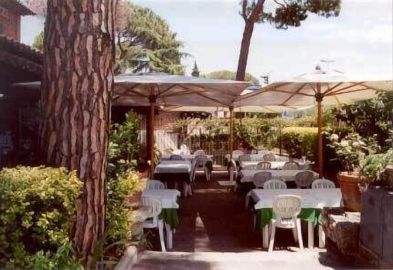 Hotel Fidene, Rome, Outdoor Dining