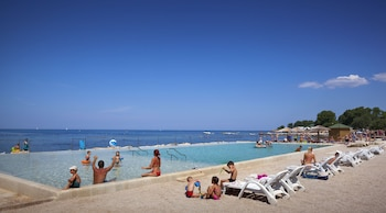 Enter your dates for our Novigrad last minute prices
