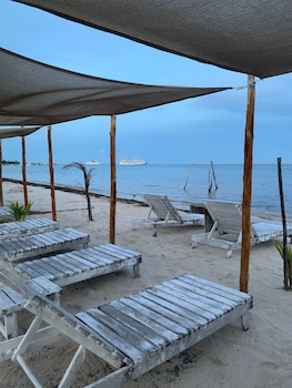 Picture of Hotel Arenas in Mahahual