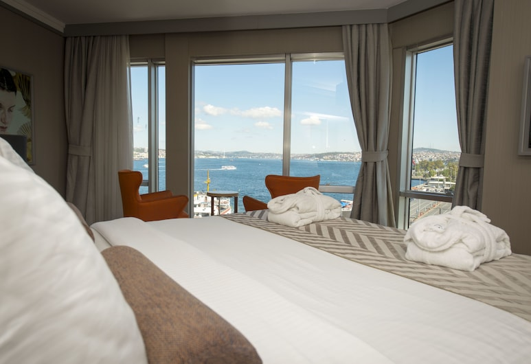 Manesol Old City Bosphorus, Istanbul, Queen Suite Sea View Room, Guest Room View