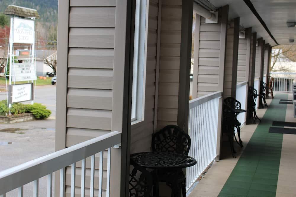 Стандартный номер - Вид с балкона