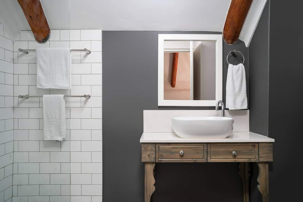 Çatı Katı (Loft), 1 Yatak Odası, Sigara İçilmez (Barn) - Banyo