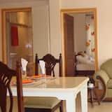 Superior-Apartment, 2Schlafzimmer, Buchtblick, Meerseite - Wohnbereich