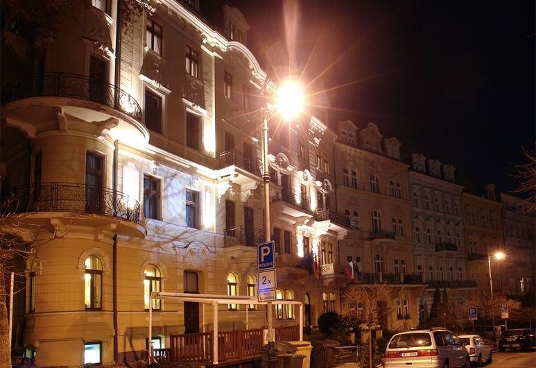 Spa Hotel Čajkovskij, Karlovy Vary, Voorkant hotel