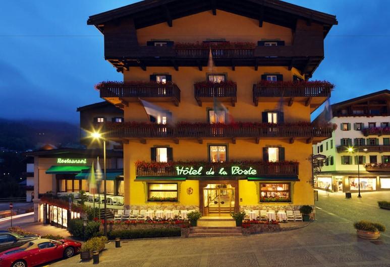 Hotel de la Poste, Cortina d'Ampezzo, Hotel Front – Evening/Night