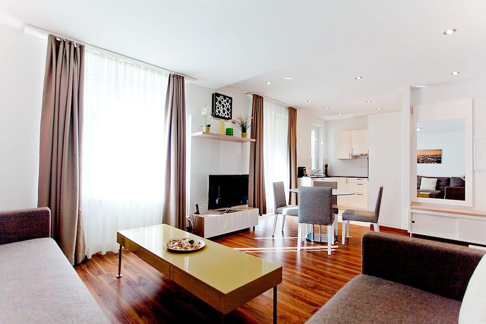 Premium Apartment, 2 Bedrooms - Living Area