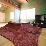Japanese-style Superior Villa with Terrace, Shared Bathroom - Living Room