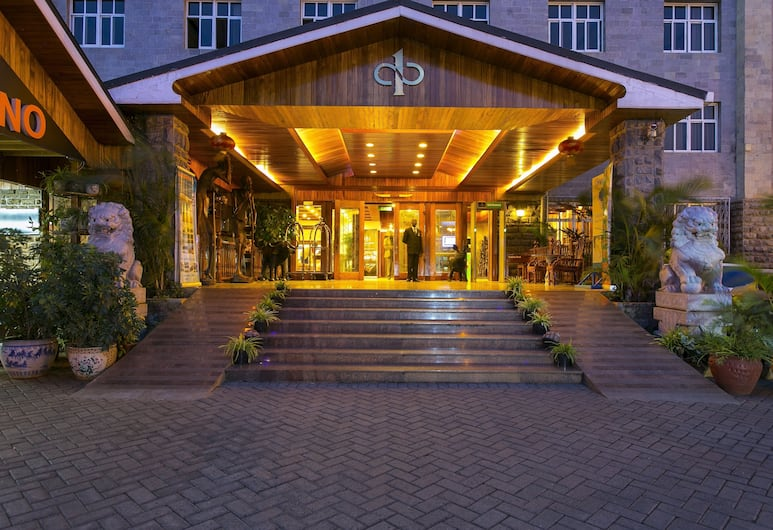 Eastland Hotel, ניירובי, חזית המלון - ערב/לילה