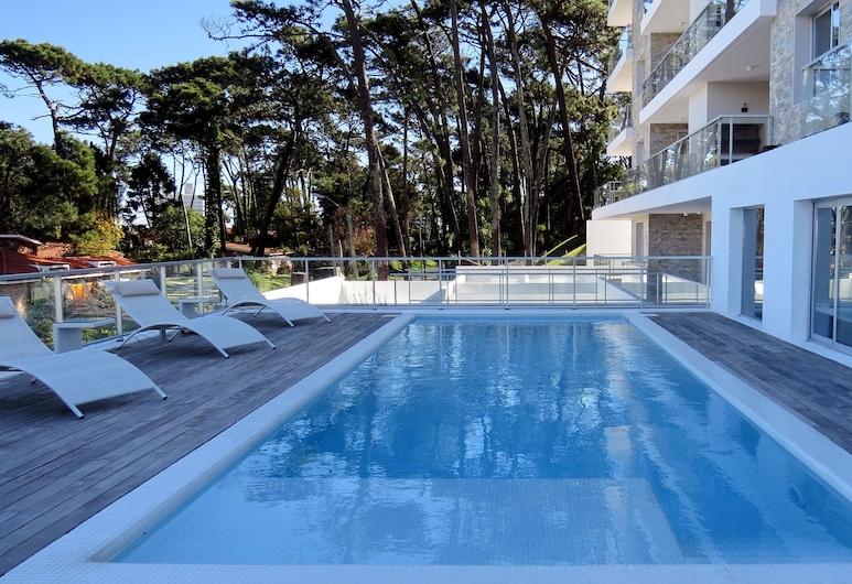 Emerald Apartments, Punta del Este, Lauko baseinas