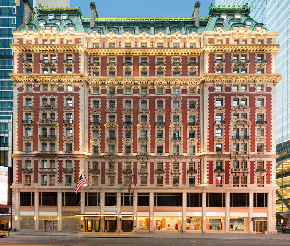 The Knickerbocker Hotel, New York, Hotellets front