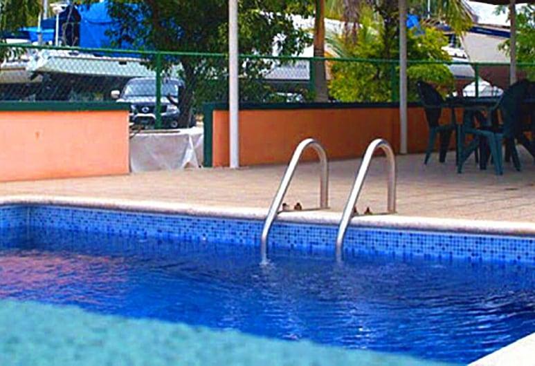 Coral Cove Marina Hotel, Chaguaramas, Kolam Renang Luar Ruangan