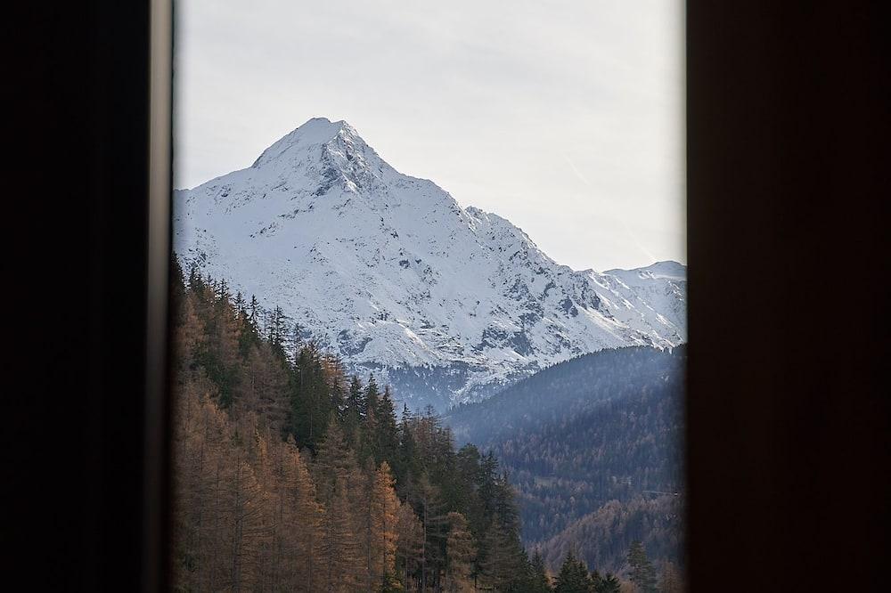 Superior tweepersoonskamer, Balkon, uitzicht op bergen - Uitzicht op bergen