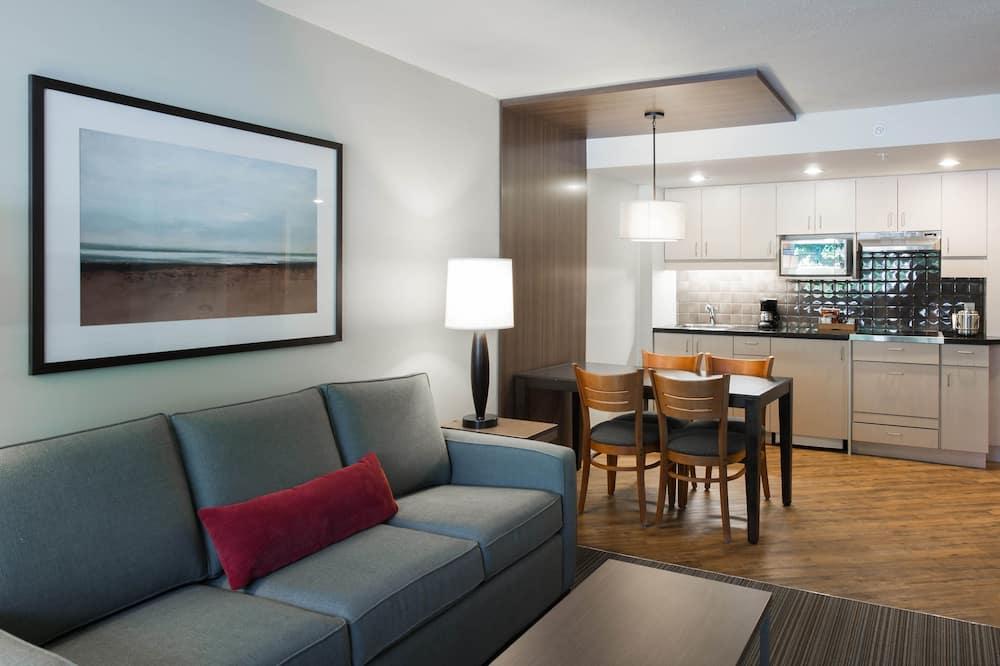 Luksusa numurs, 1 divguļamā karaļa gulta un dīvāngulta, virtuve - Dzīvojamā istaba