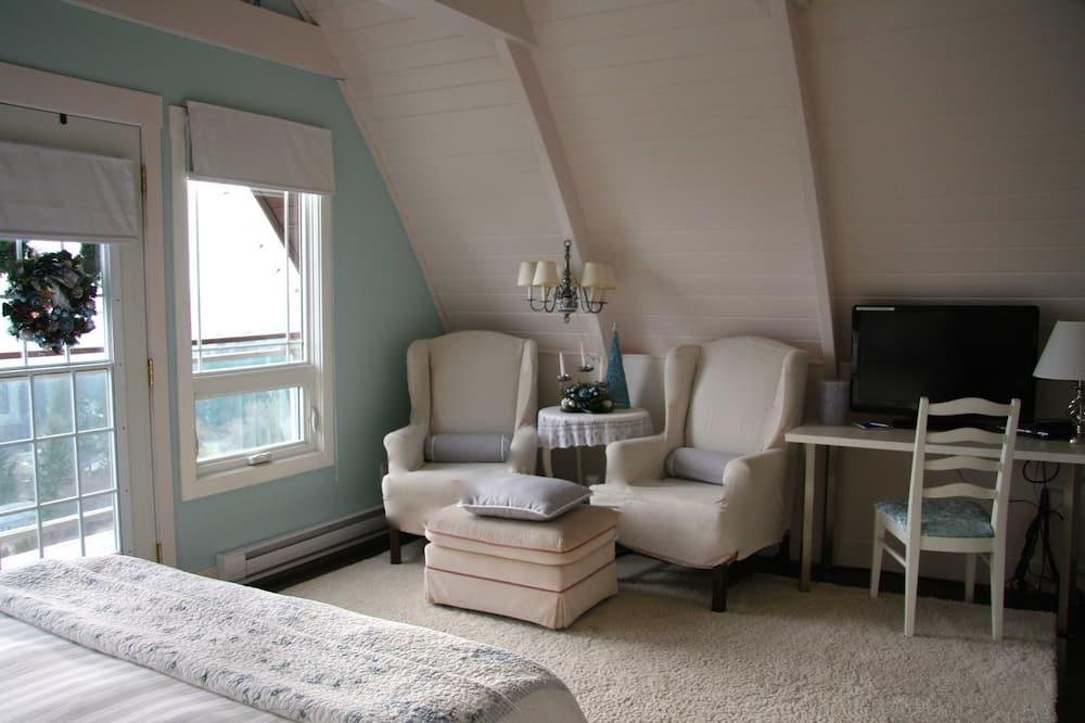 Habitación, 1 cama Queen size, vista al lago - Sala de estar