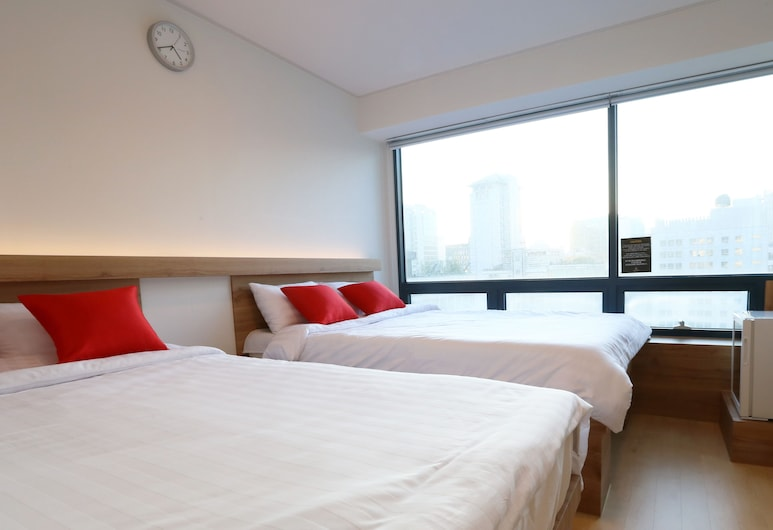 STEP INN Myeongdong 1, Seoul, Family Room with Two Double Beds, Guest Room