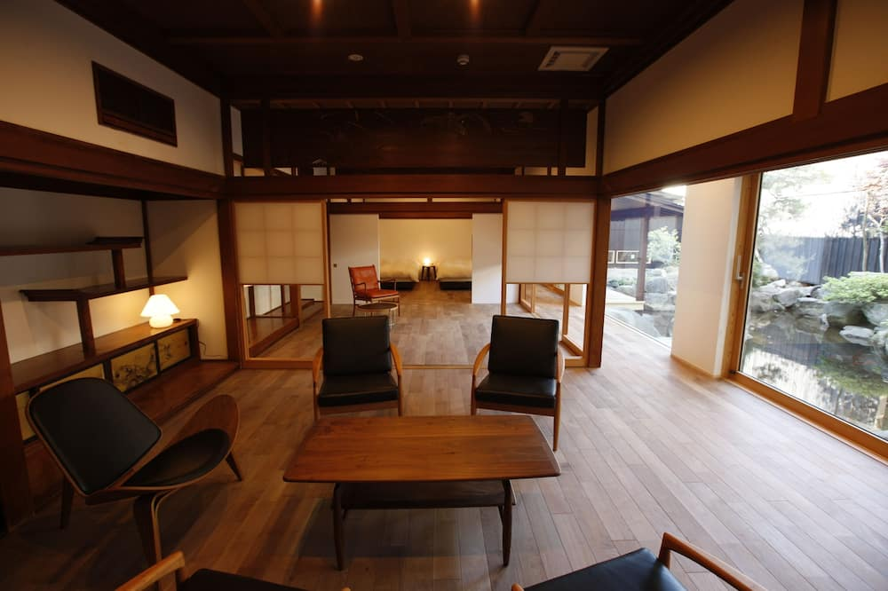 Rom – traditional (Japanese Style Deluxe Suite) - Oppholdsområde