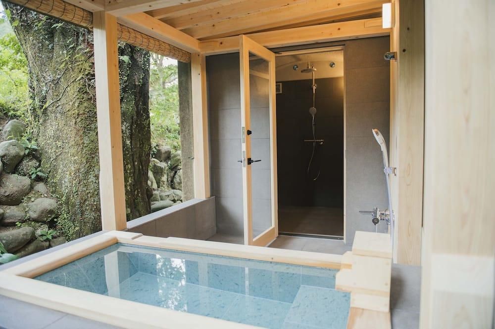 Tradicionāls luksusa numurs (Japanese-Western style, Open-Air Bath) - Vannasistaba