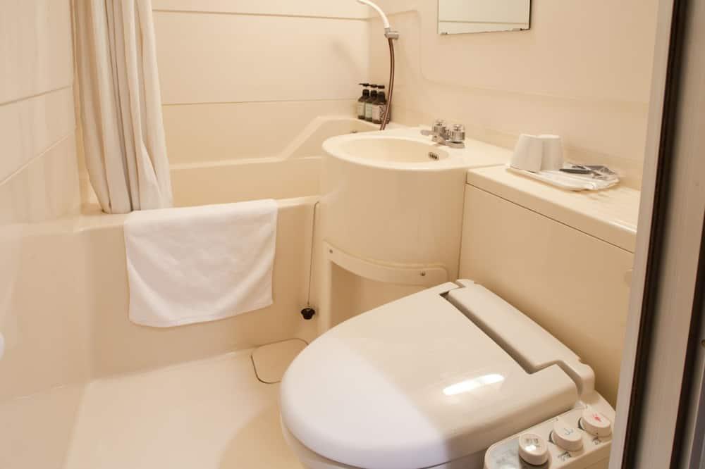 Standard Double Room, 1 Queen Bed, Smoking - Bathroom