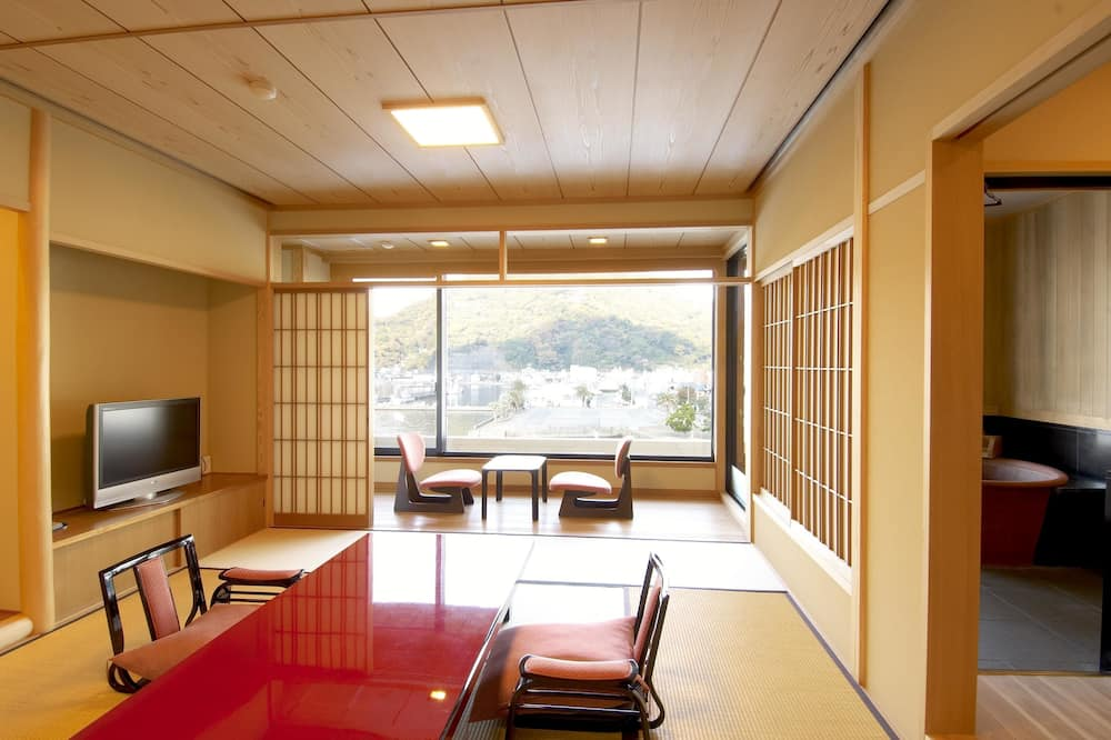 Traditional Room (Japanese Style, with Open-air Bath) - Ruang Tamu