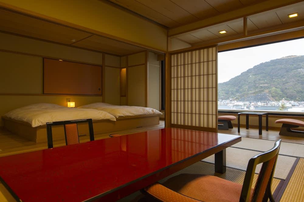 Room (Japanese Western, with Open-air Bath) - Ruang Tamu
