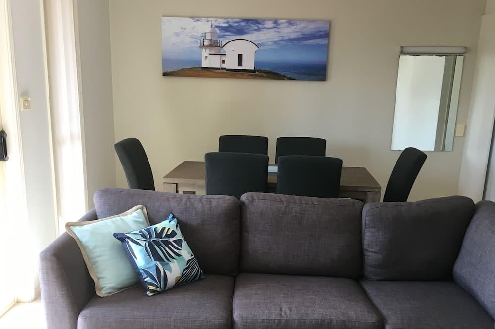 2 Bedroom Deluxe Apartment - Living Room