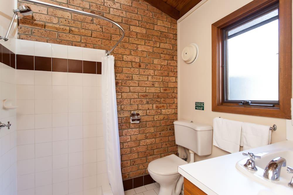 標準開放式客房, 1 張加大雙人床, 簡易廚房, 葡萄園景觀 - 浴室