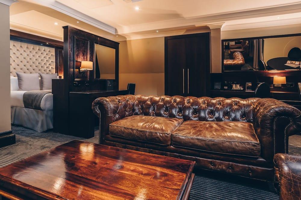City Penthouse - Living Room