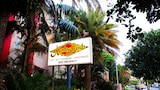 Choose this Apartment in Mermaid Beach - Online Room Reservations