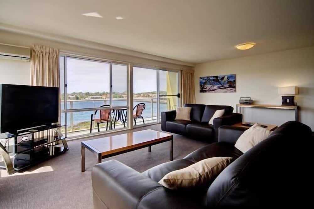 Standard-Apartment, 1 Schlafzimmer, Küche (Lakeview) - Wohnbereich