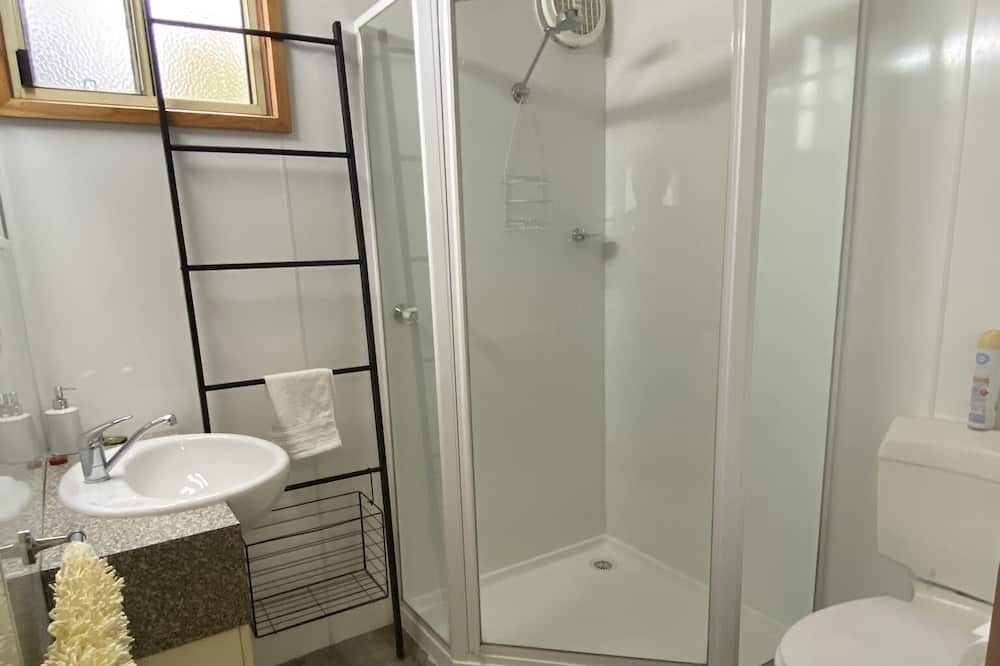 Self-contained Cabin - Bathroom
