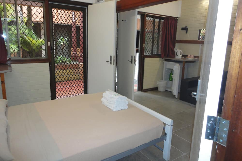 Deluxe Double Room, Refrigerator & Microwave - Guest Room