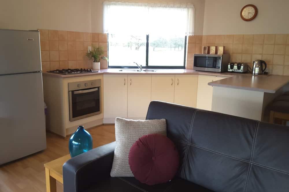 Standard-Suite, 2Schlafzimmer, Nichtraucher, Küche (CHALET 2 The Torbay) - Wohnbereich