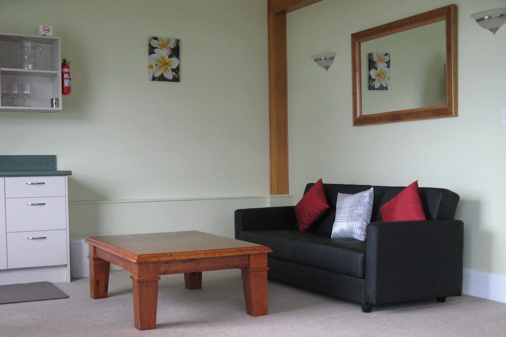 Family Δωμάτιο, 2 Υπνοδωμάτια, Μη Καπνιστών, Θέα στη Θάλασσα (Captains Table) - Περιοχή καθιστικού