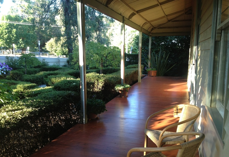 Erindale Guest House, Beechworth, Terasa/trijem