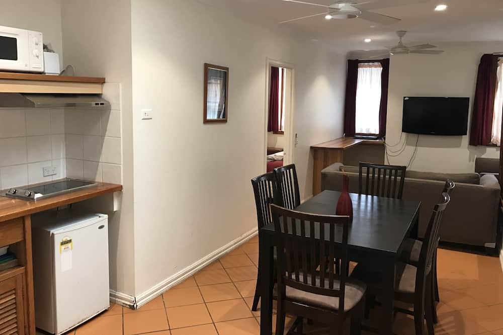 Familie studio, niet-roken, kitchenette (Family Suite 2) - Eetruimte in kamer