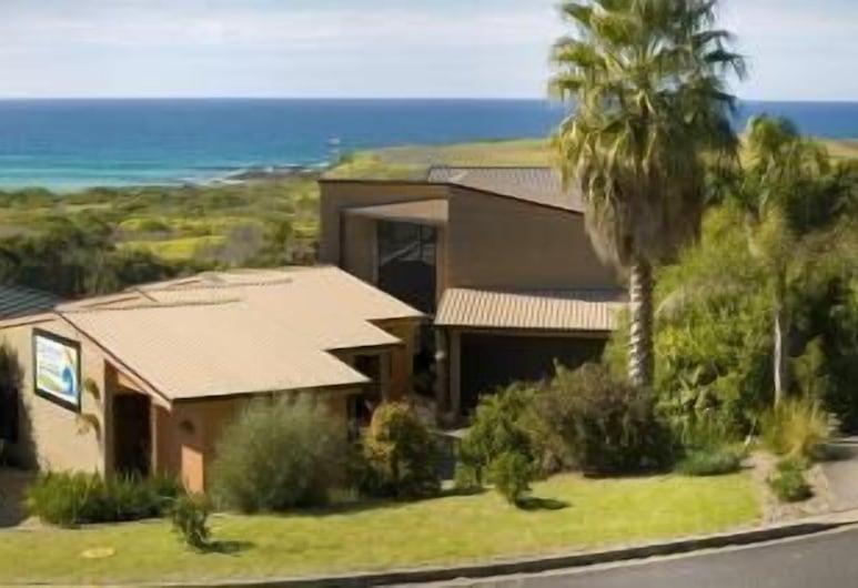 Beachfront Apartments Narooma, North Narooma