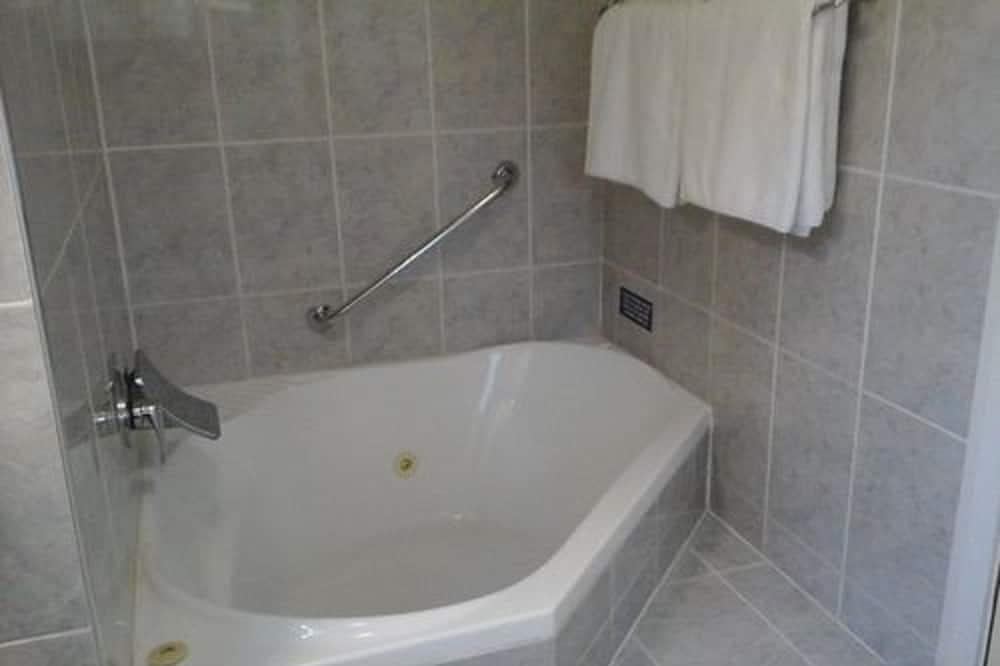 Executive-Studio, Nichtraucher, Kochnische (Executive Spa King Room) - Privater Whirlpool