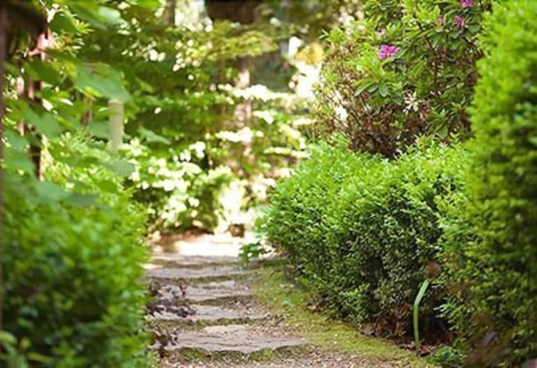 Woolrich Historic Garden Cottage, אולינדה, שטחי הנכס