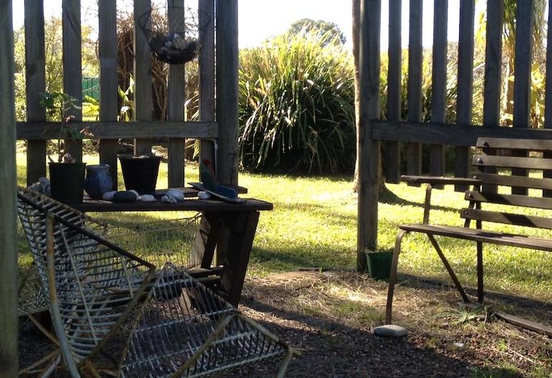 Shady Trees Barrington Holiday House, Barrington, Terasa/trijem