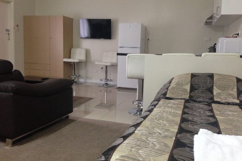 Family Room, Non Smoking, Kitchenette (Large Family Room) - Guest Room